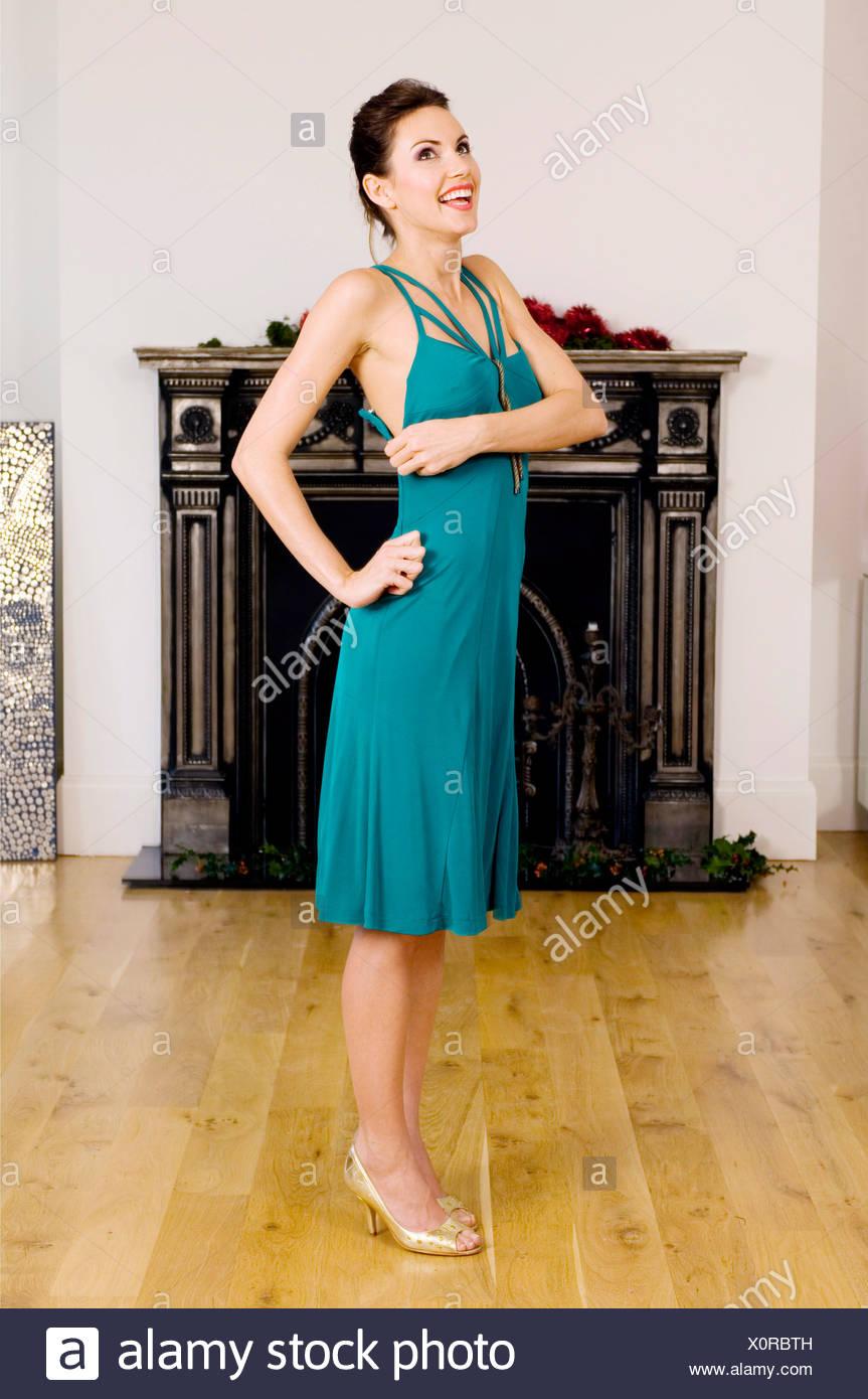 Ausgezeichnet Gold Prom Kleid Schuhe Bilder - Hochzeit Kleid Stile ...