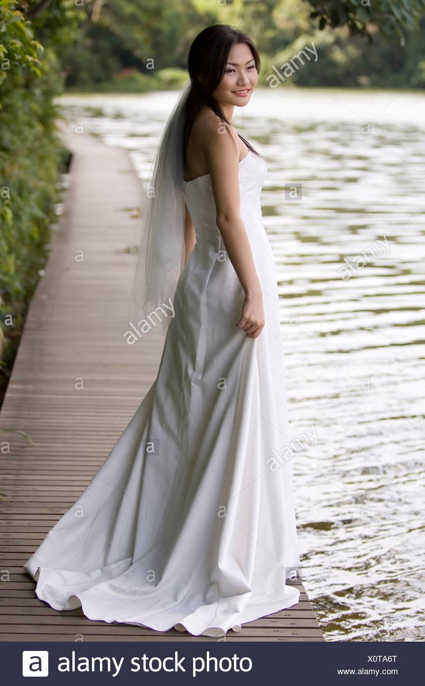 Großzügig Hochzeitskleid Zu Bilder - Brautkleider Ideen - cashingy.info