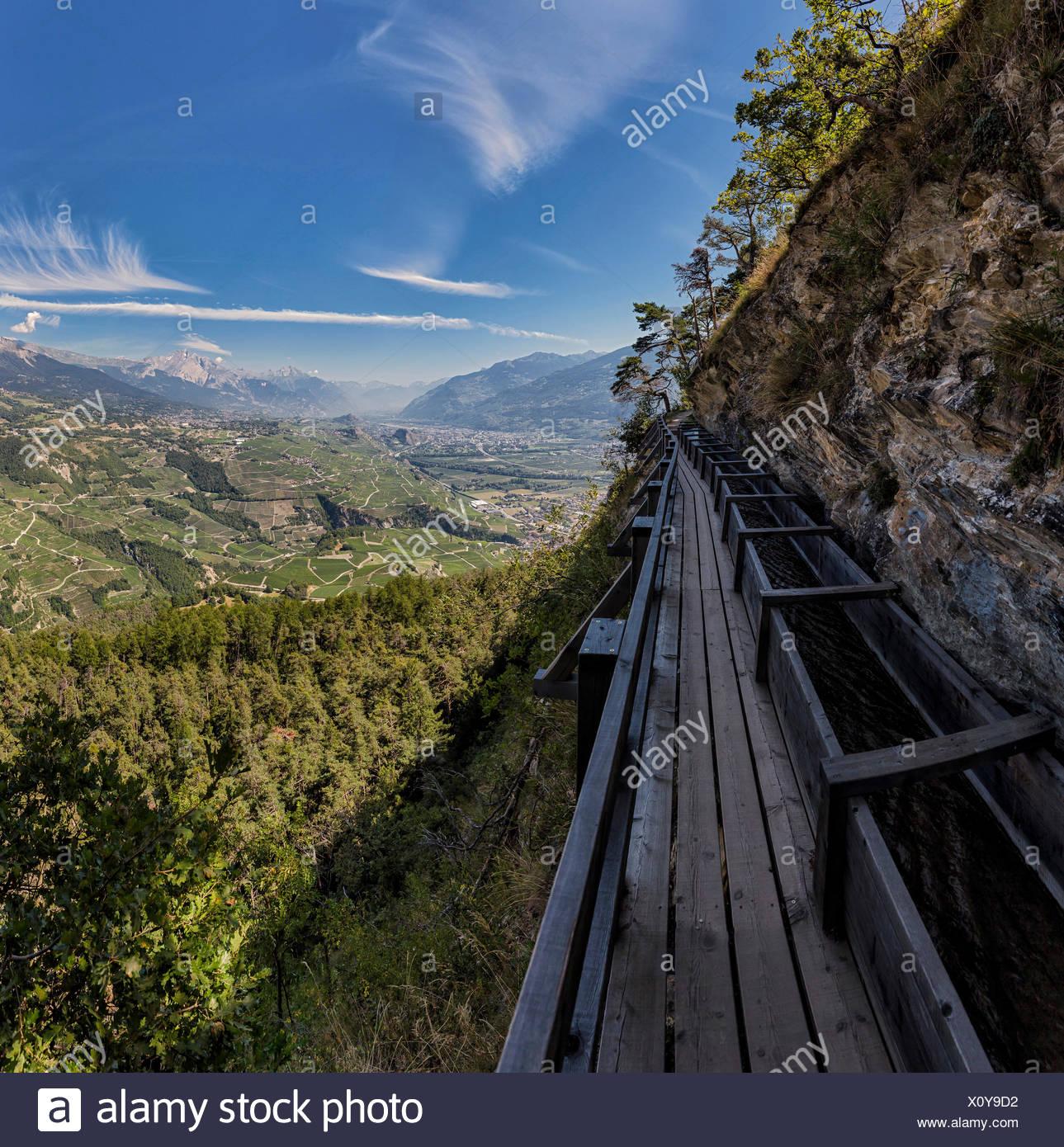 Grand Bisse de Lens, Bisse, Landschaft, Sommer, Berge, Hügel, Objektiv, Wallis, Valais, Schweiz, Europa, Stockbild