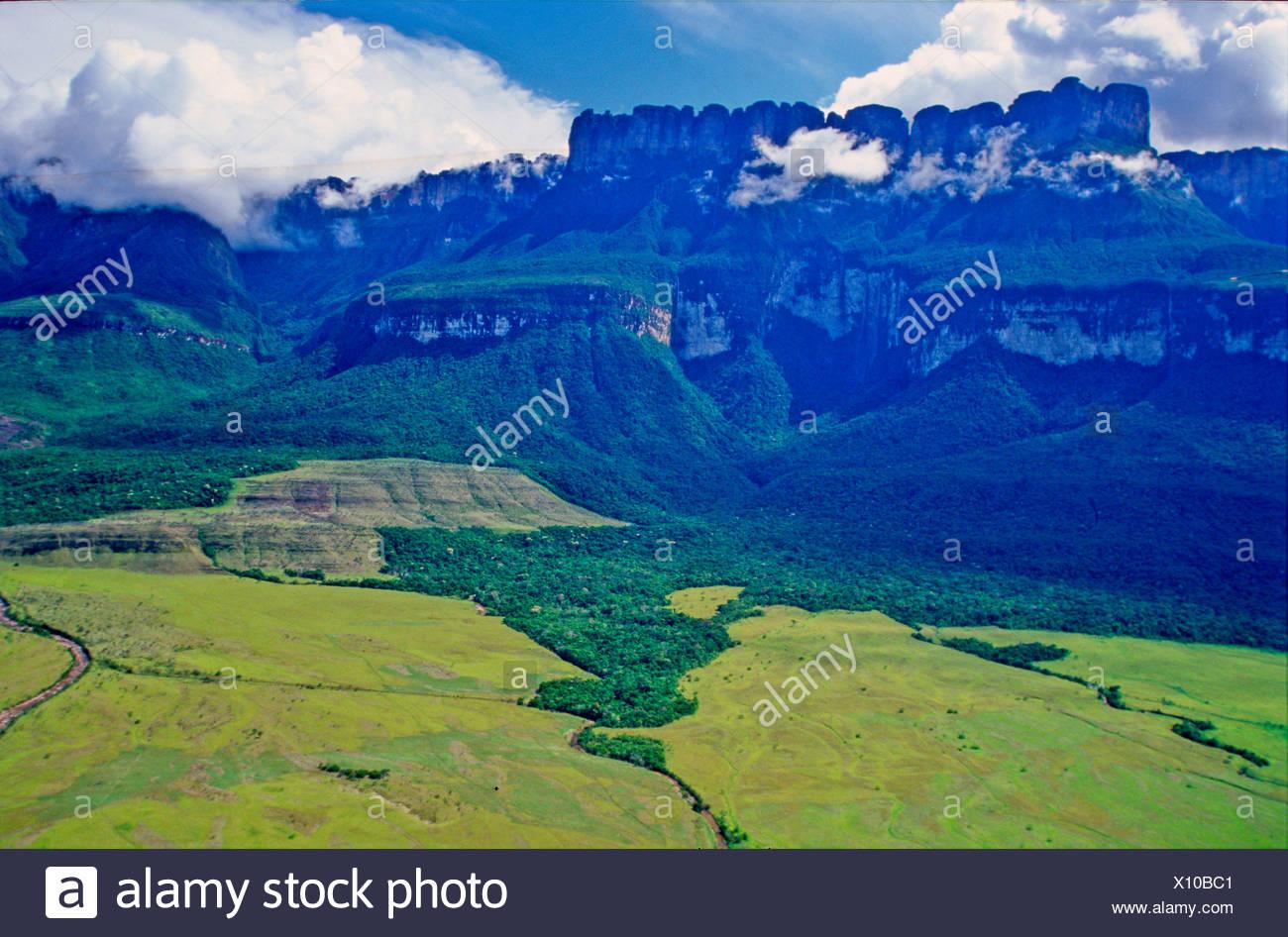 Venezuela Sudamerika Auyan Tepui Tabelle Berge Berg Landschaft
