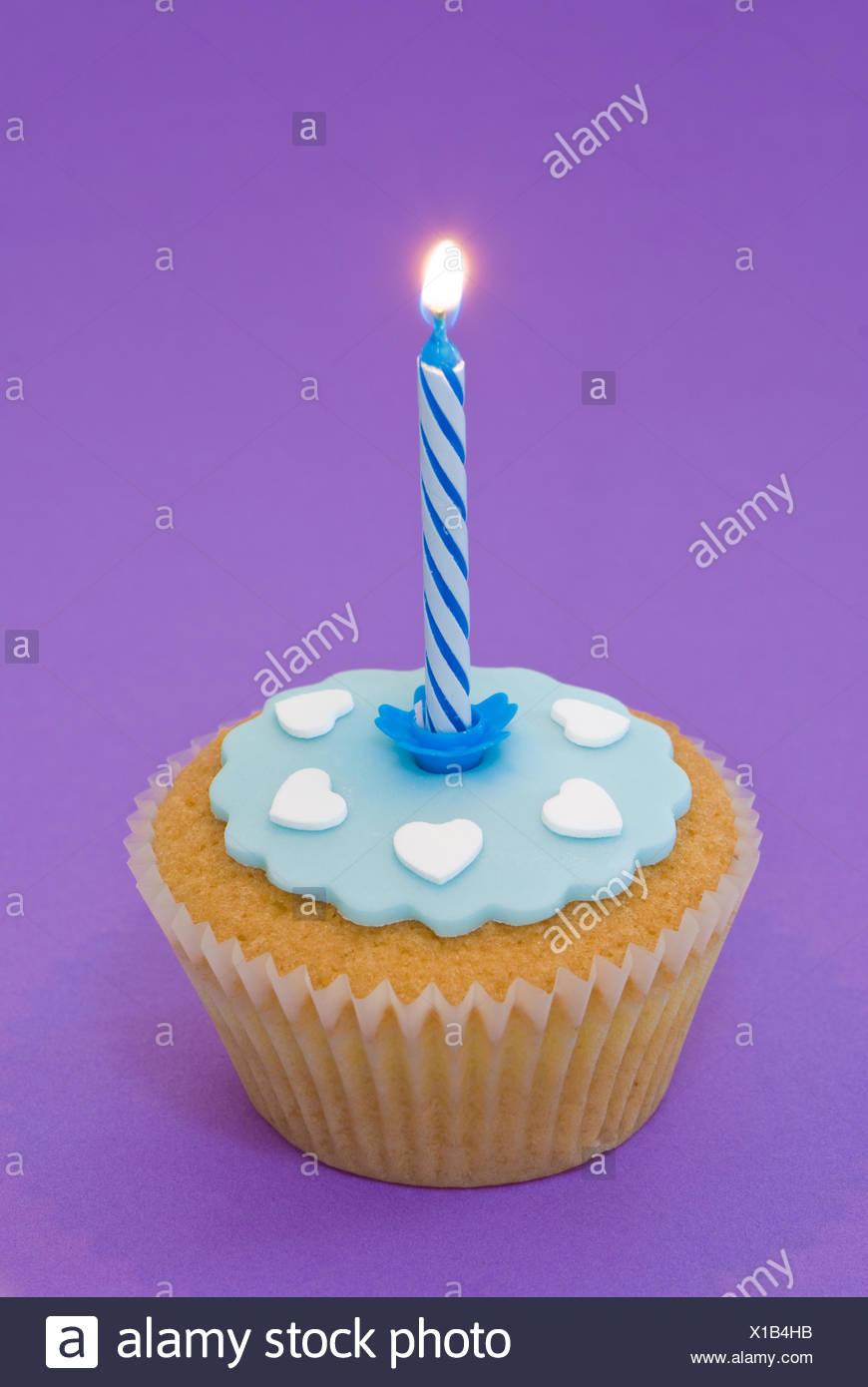 Kerze Kuchen Kuchen Geburtstag Tasse Blau Essen Nahrungsmittel Suss