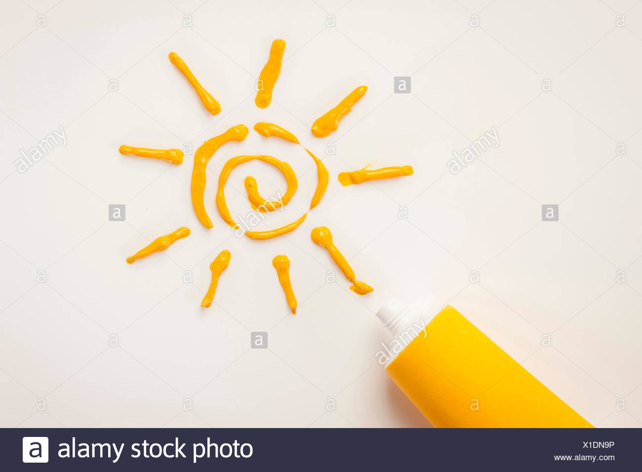 Gelbe Sonne Gelb Aquarell Gegen Weiß Gemacht Stockfoto Bild