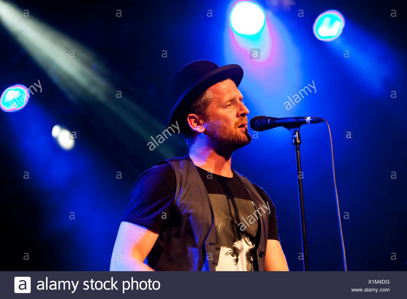 Bart van der Weide, Sänger der niederländischen Band Racoon, die live im Schueuer Concert Hall, Luzern, Schweiz, Europa Stockbild