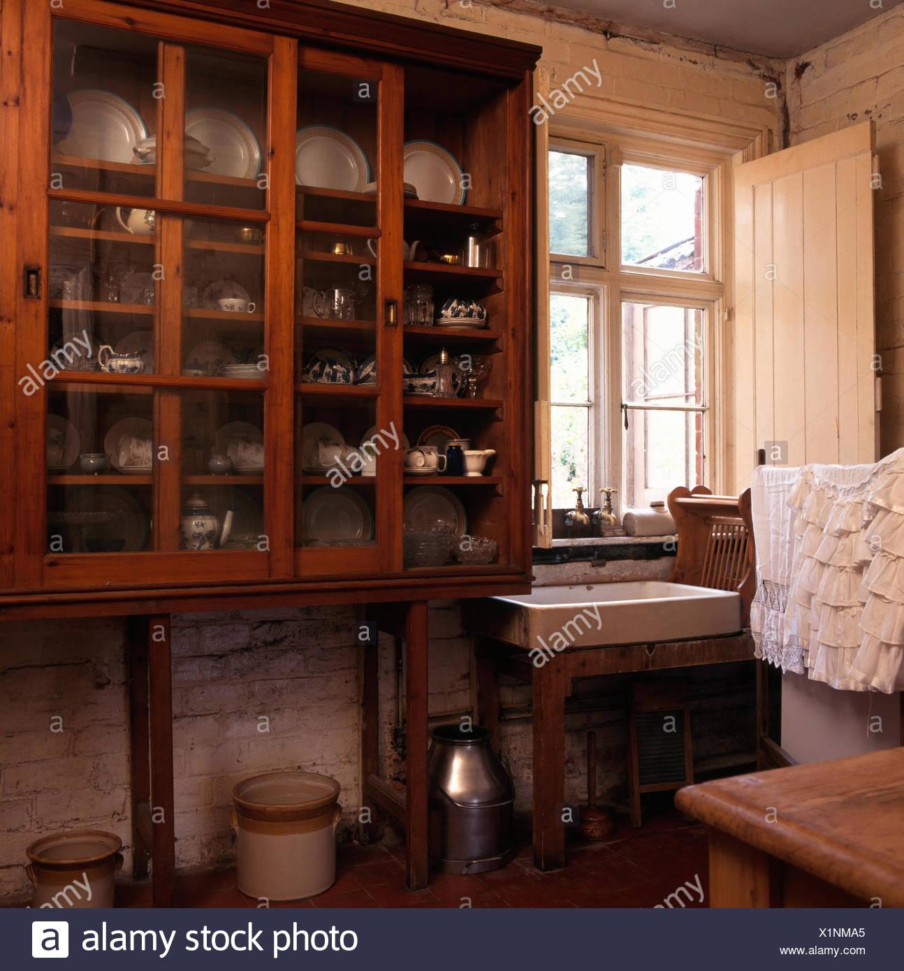 Viktorianische Stil Schrank Im Antikglas Vorderen Viktorianischen odCerxBW