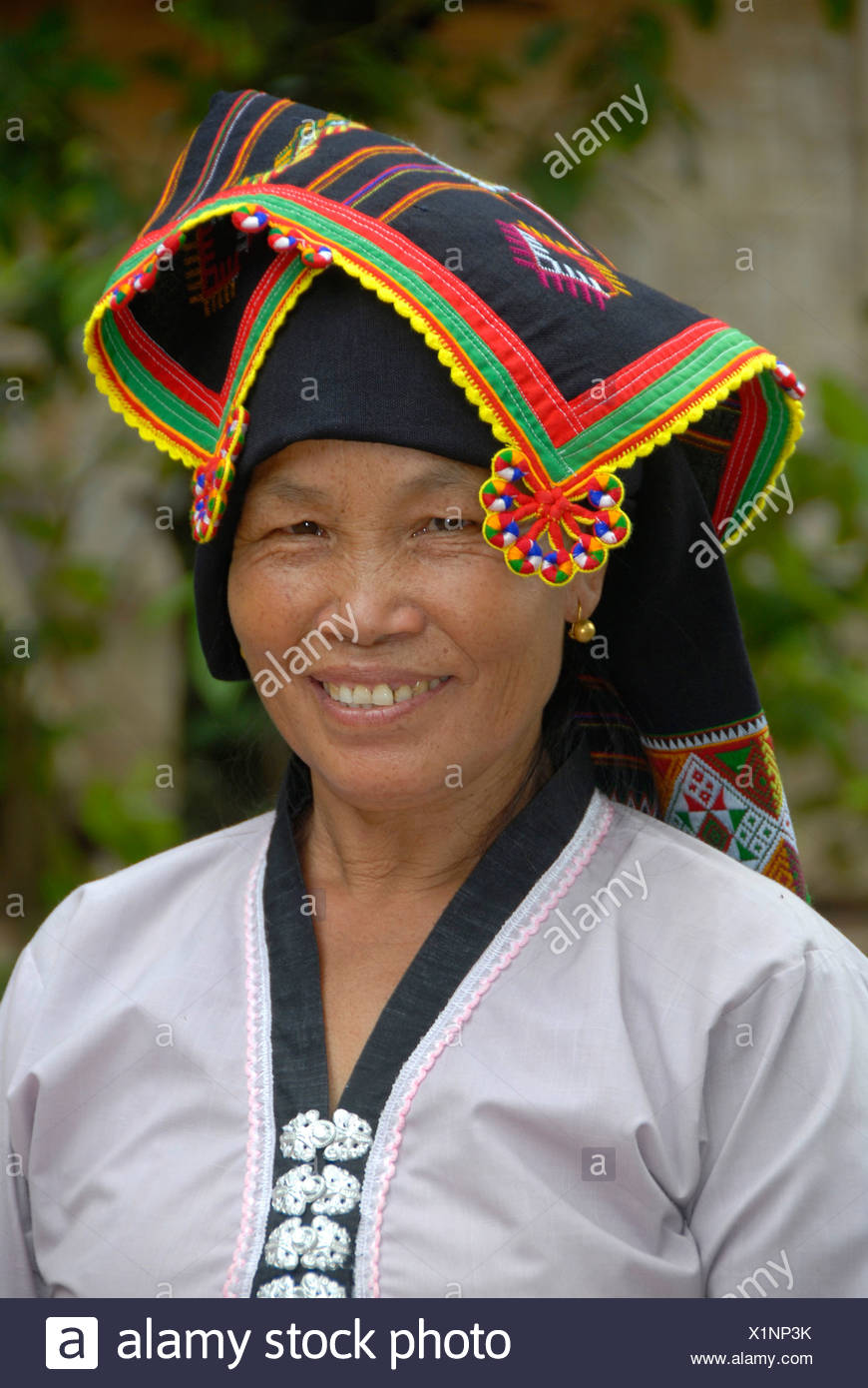 Frau des Stammes Tai Dam in traditioneller Kleidung, Ban Monesavanh, Provinz Phongsali, Laos, Südostasien Stockbild