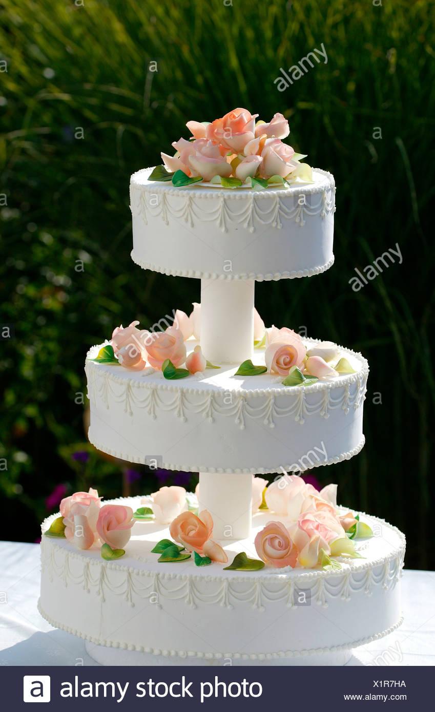 Hochzeitstorte Im Freien Stockfoto Bild 276491414 Alamy