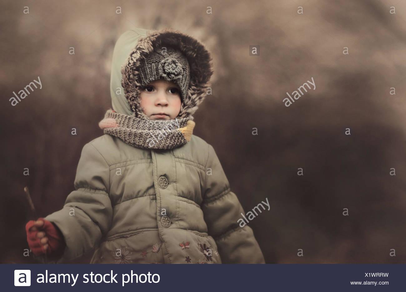 Polen, Porträt von Mädchen warme Kleidung tragen Stockbild