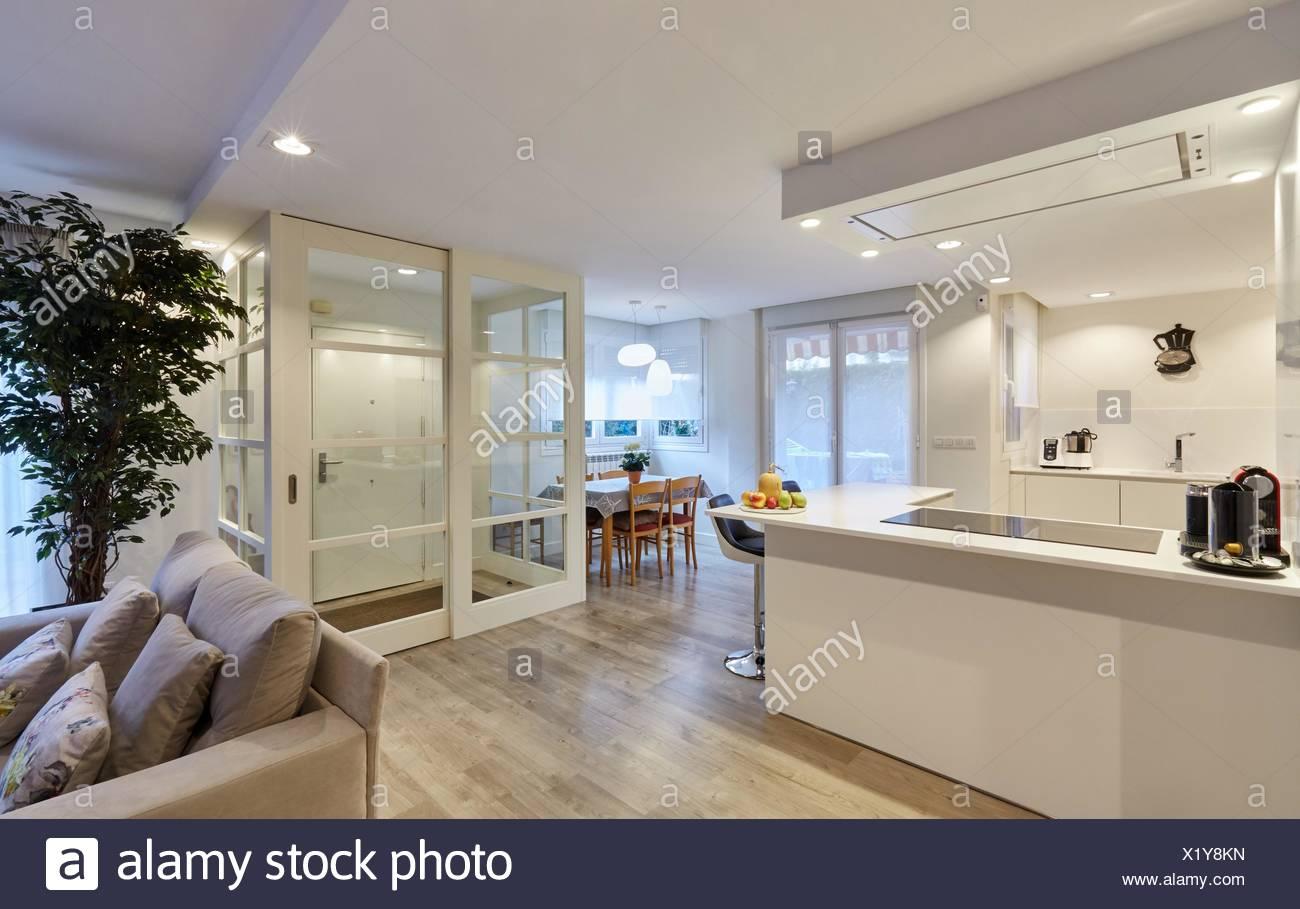 Kitchen Door Stockfotos & Kitchen Door Bilder - Seite 2 - Alamy
