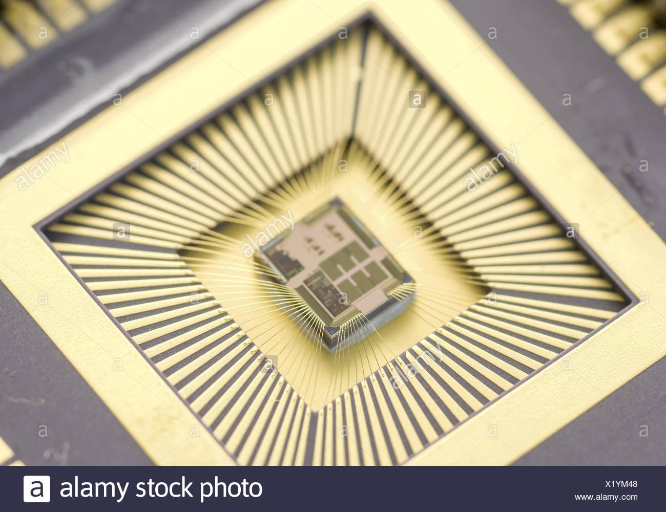 Effiziente Schaltung fuer elektromagnetische Schwingungen - Energiewandler Stockbild