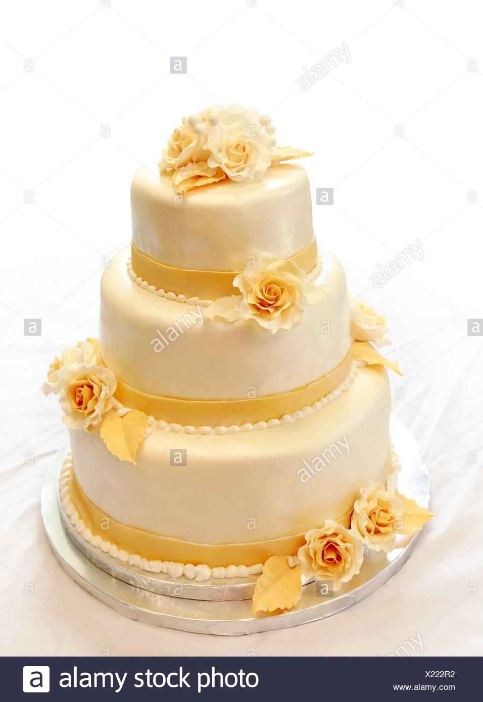 Hochzeitstorte Auf Weiss Nicht Isoliert Hintergrund 3 Tiers In