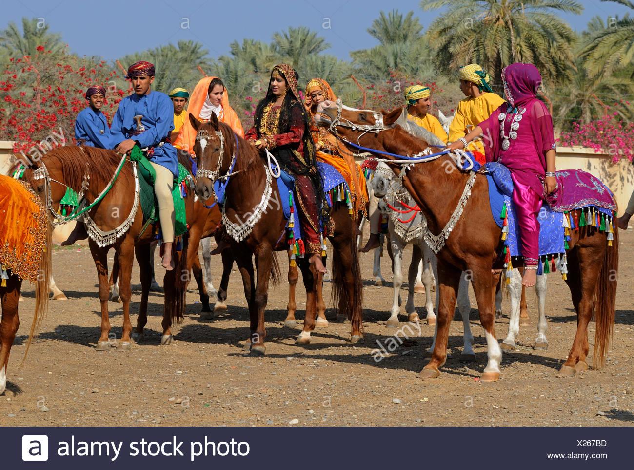 Frauen beim reiten