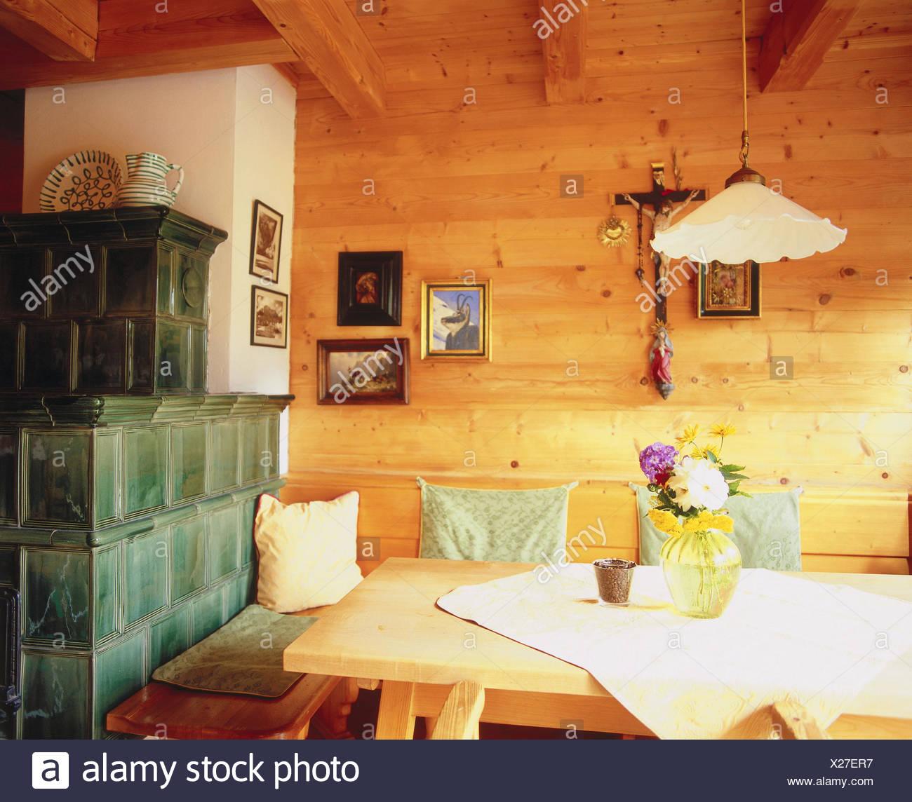 wohnraum kachelofen zimmer bauernstube kuche wohnraum essecke eckbank esstisch