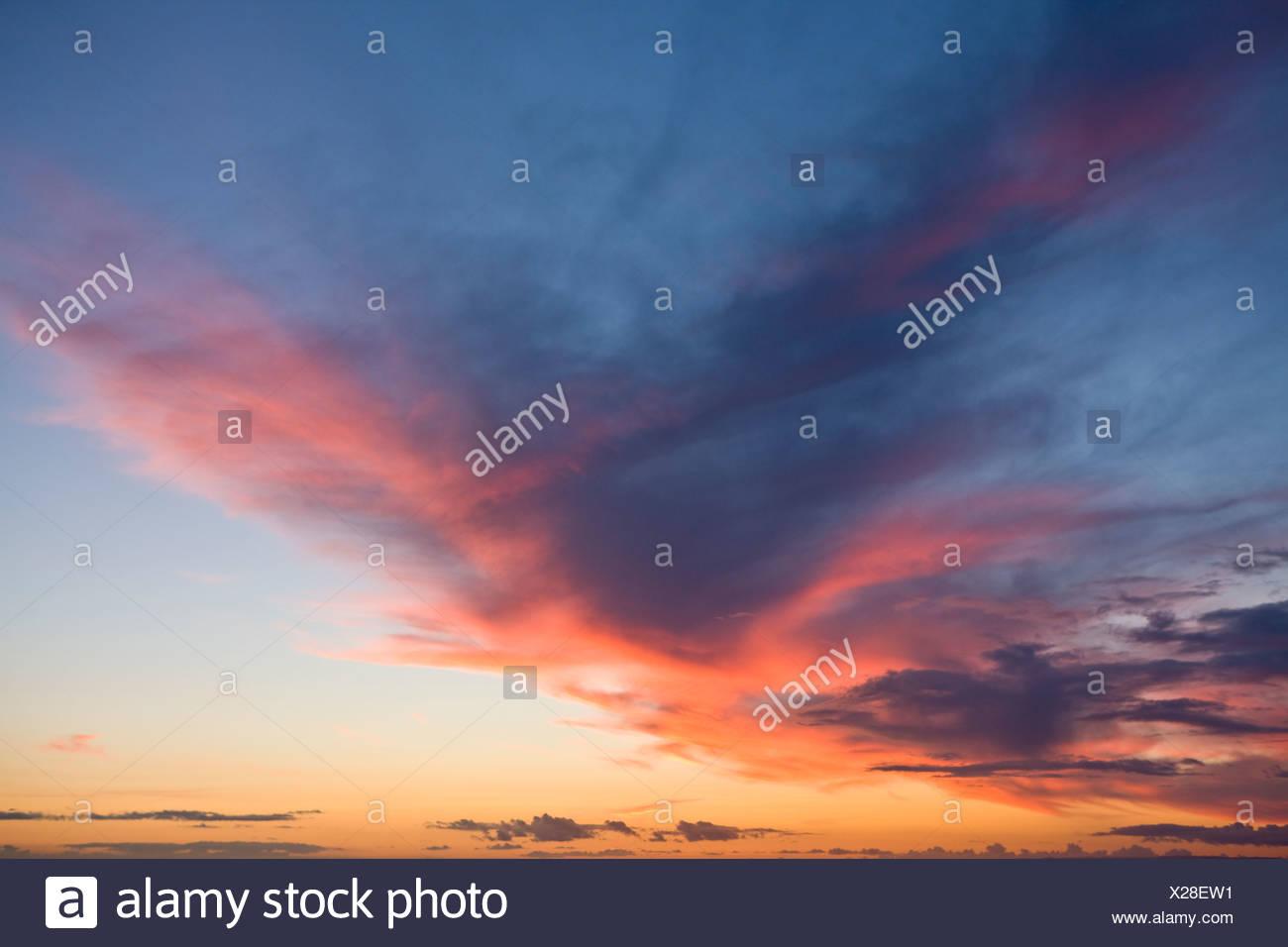 Wolken bei Sonnenuntergang Himmel Stockbild