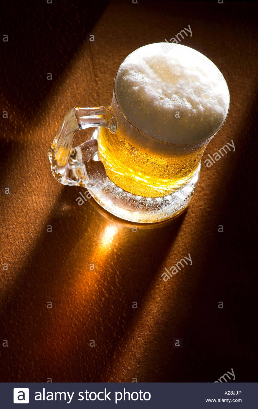 Holz-Schaum Bier Stockbild