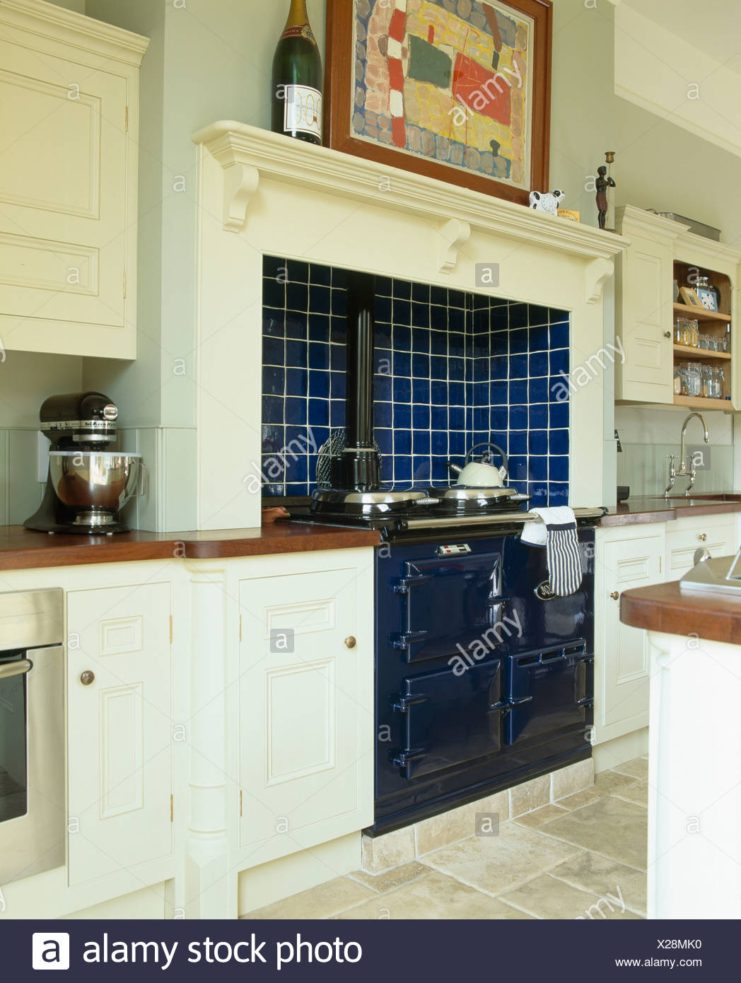 Traditional Appliances Ovens Neutral Stockfotos & Traditional ...