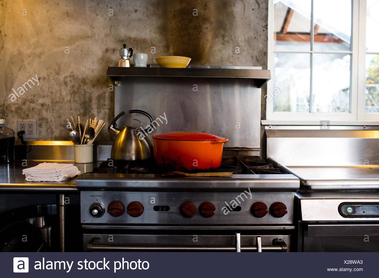 Soup Kettle Stockfotos & Soup Kettle Bilder - Seite 3 - Alamy