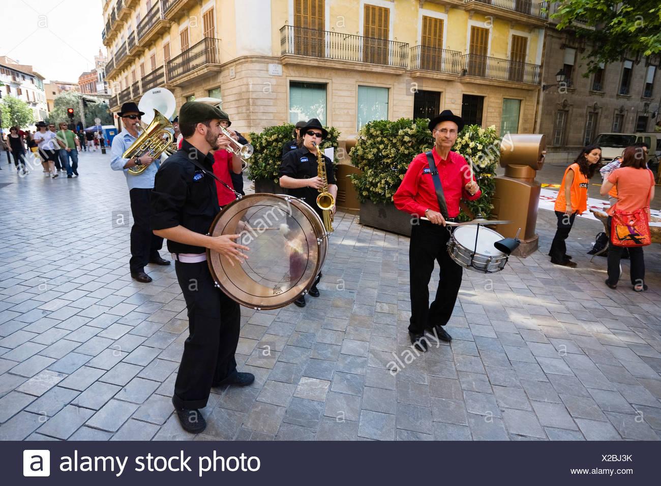 Band an der Placa de Santa Eulalia, Palma De Mallorca, Mallorca, Balearen, Spanien, Europa Stockbild