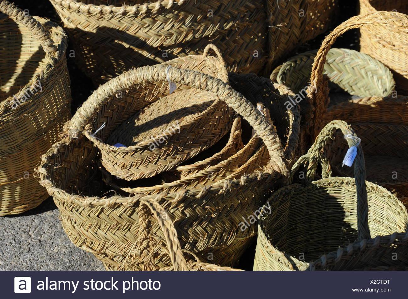 Flohmarkt, rastro, Wochenmarkt, Körbe Stockbild