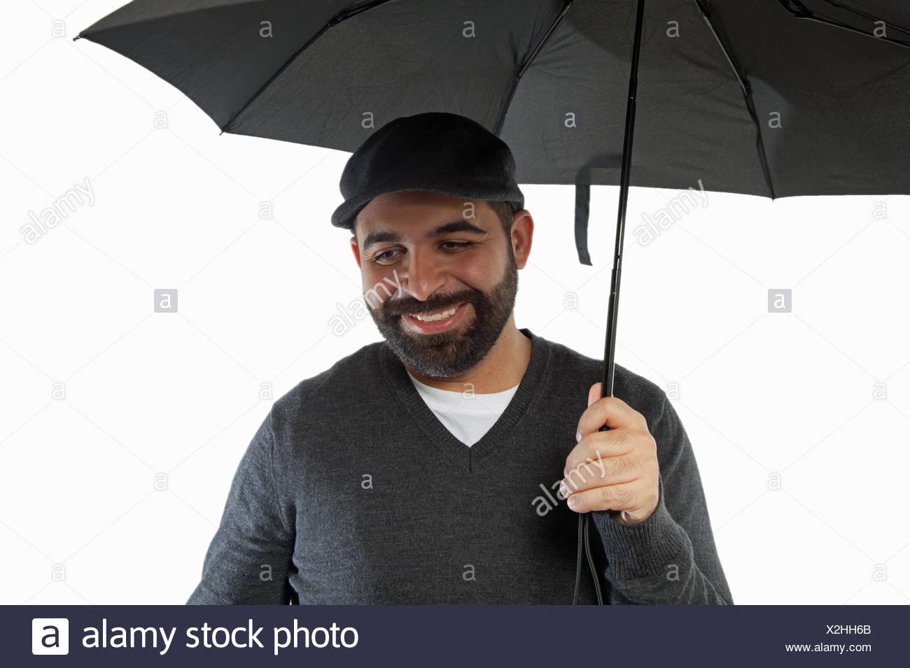 Mann Mit Regenschirm Stockfoto Bild 276981891 Alamy