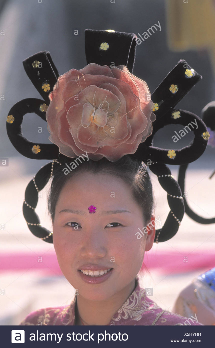 China Provinz Shaanxi Xian Frau Folklore Kleidung Kopfbedeckung