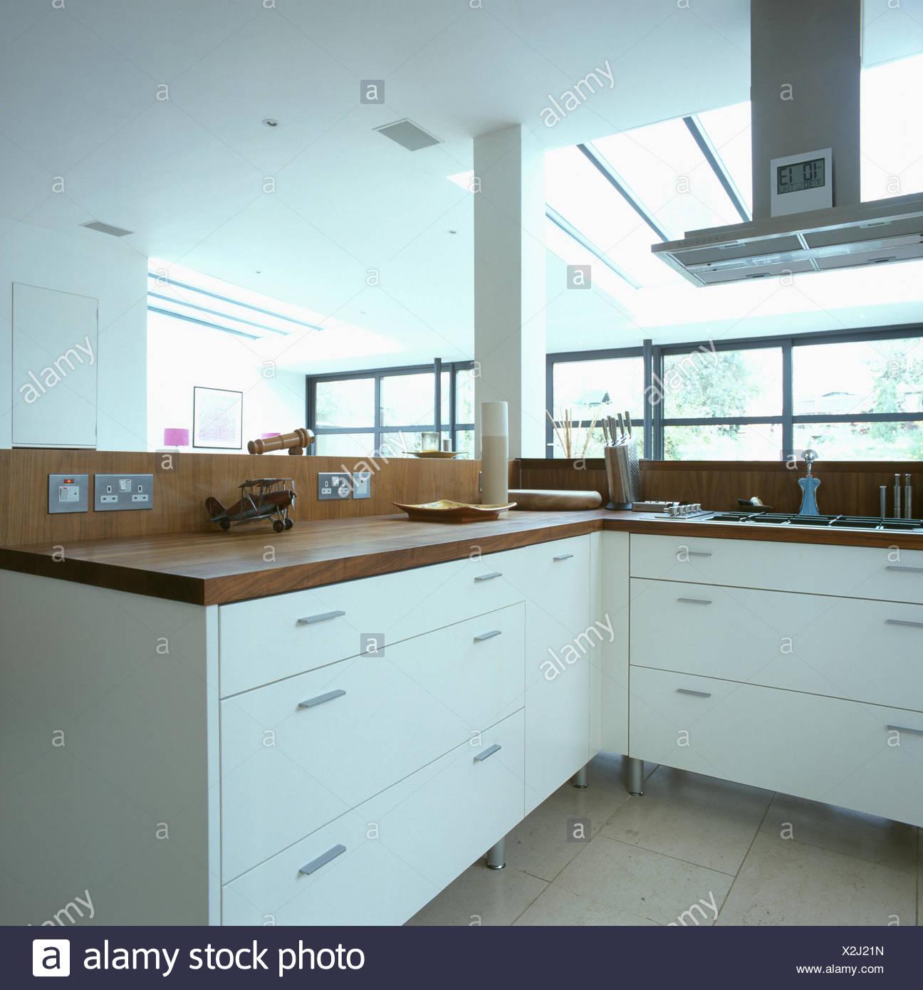 Interiors Modern Kitchens Extractors Stockfotos & Interiors Modern ...