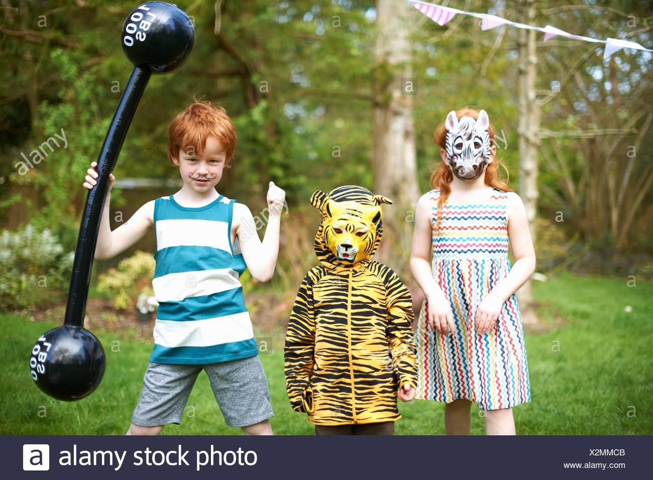 Gruppe von Kindern tragen Fancy Dress Kostüme, Porträt Stockfoto