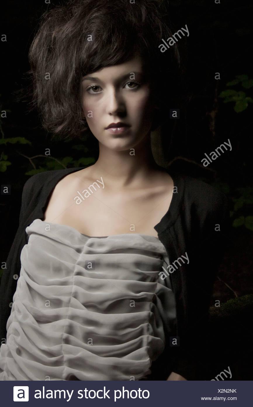 Porträt einer Brünette Frau Stockbild