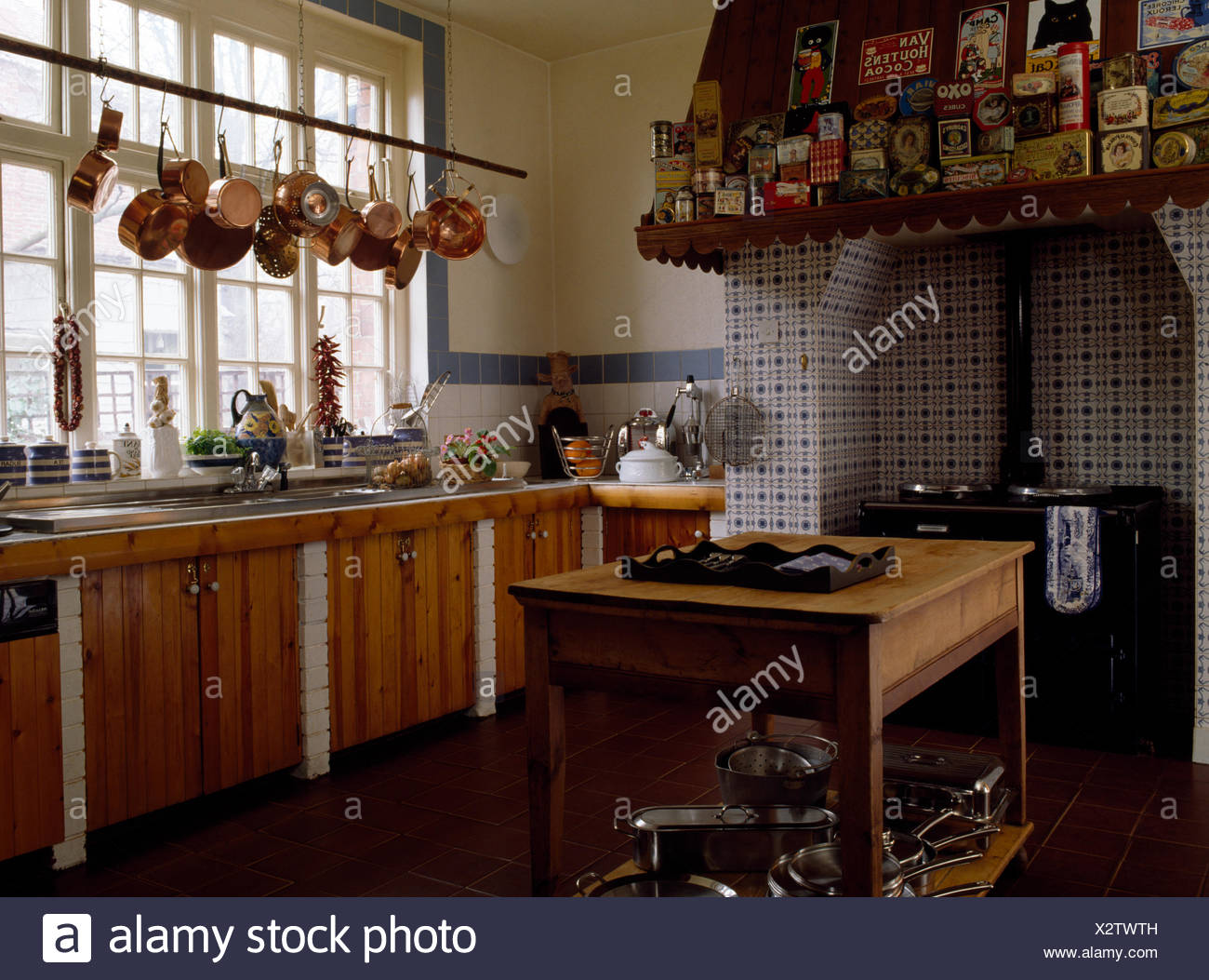Copper Pans Storage Stockfotos & Copper Pans Storage Bilder - Alamy