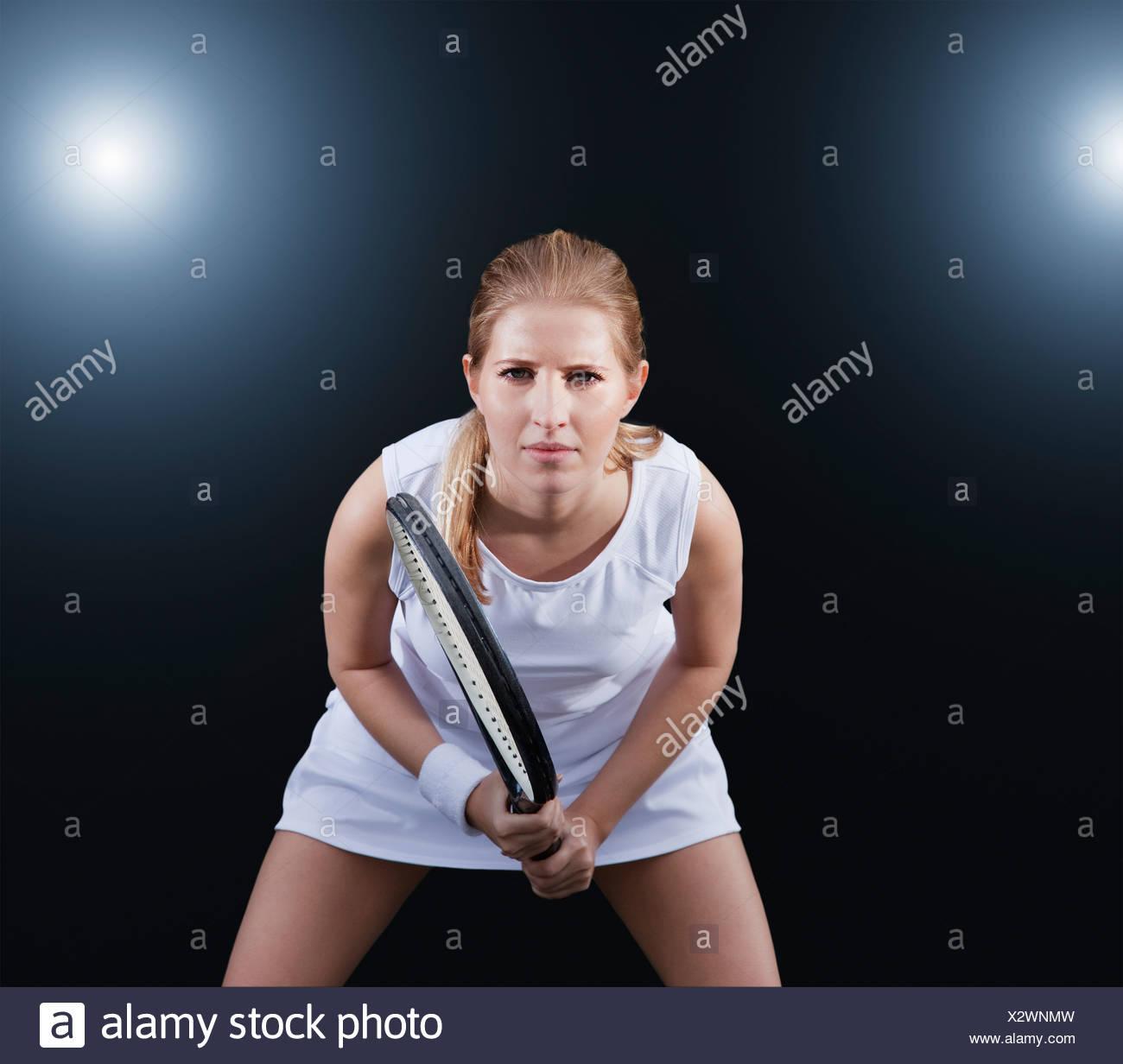 Tennis-Spieler im Spiel bereit Stockbild