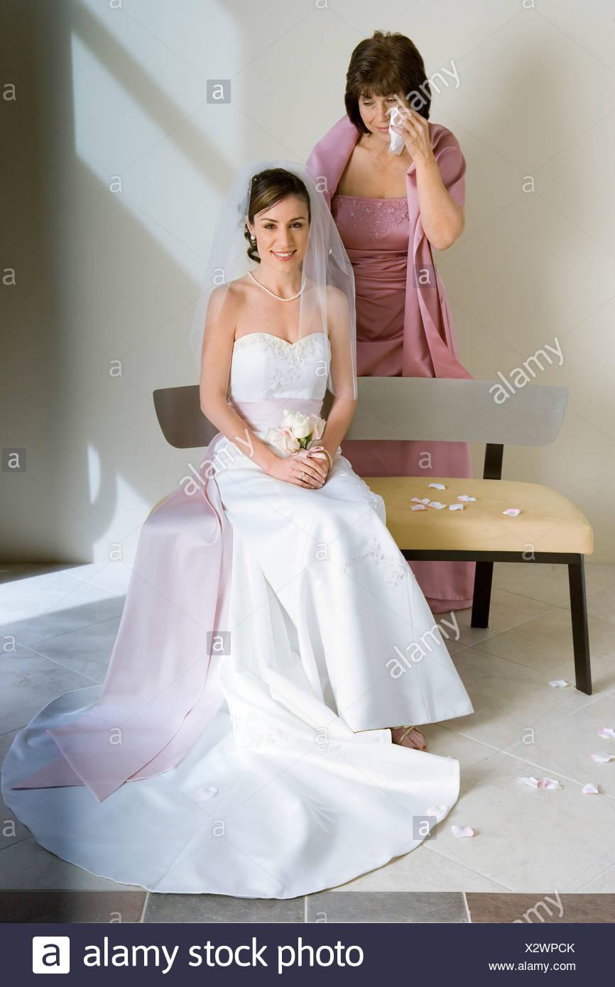 Erfreut Wie Ein Hochzeitskleid Hasten Galerie - Brautkleider Ideen ...