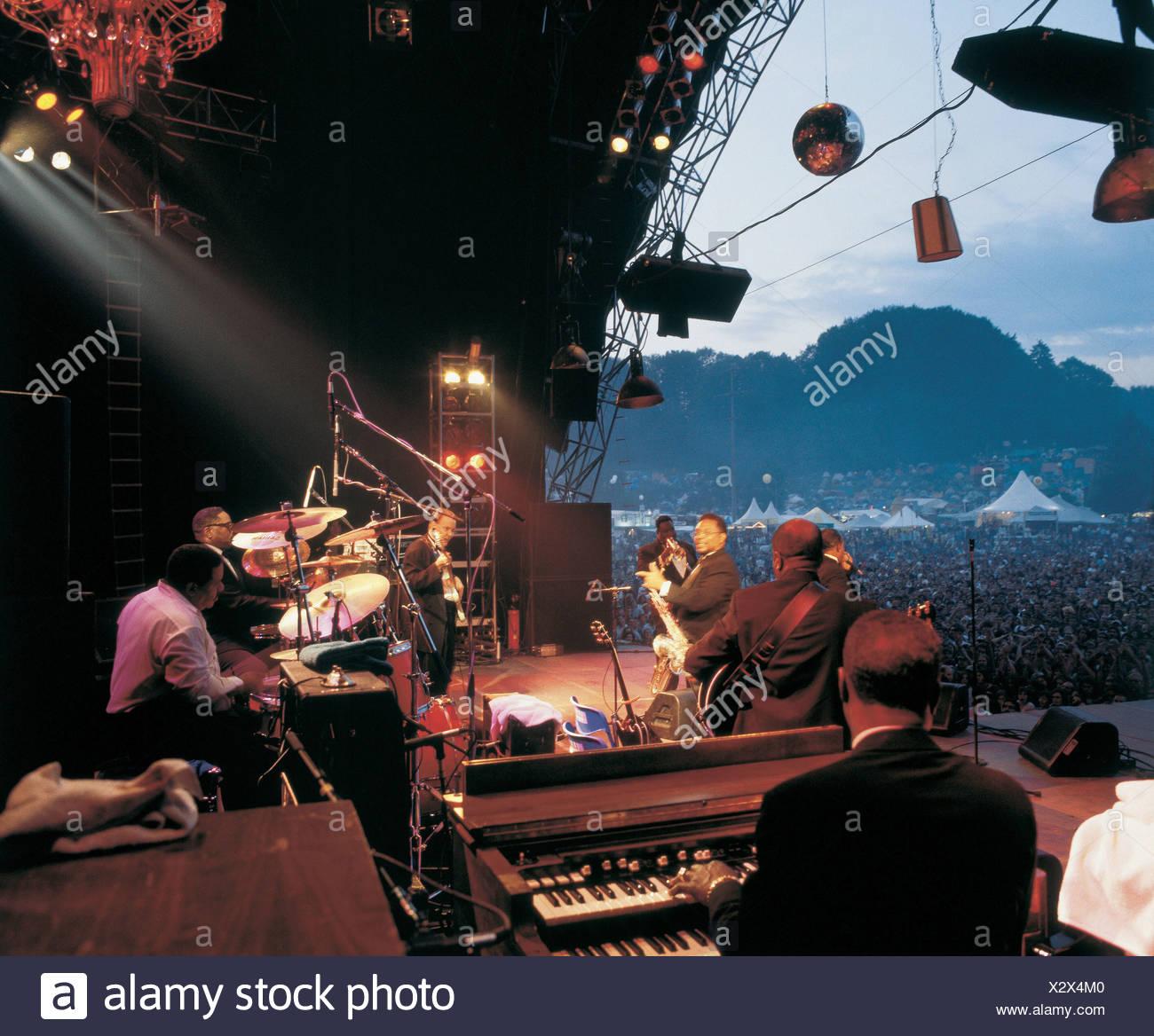 Anordnung Festival Musik Konzert keine Modellfreigabe öffnen Luft St. Gallen Zuschauer Freilichtbühne richtet Stockbild
