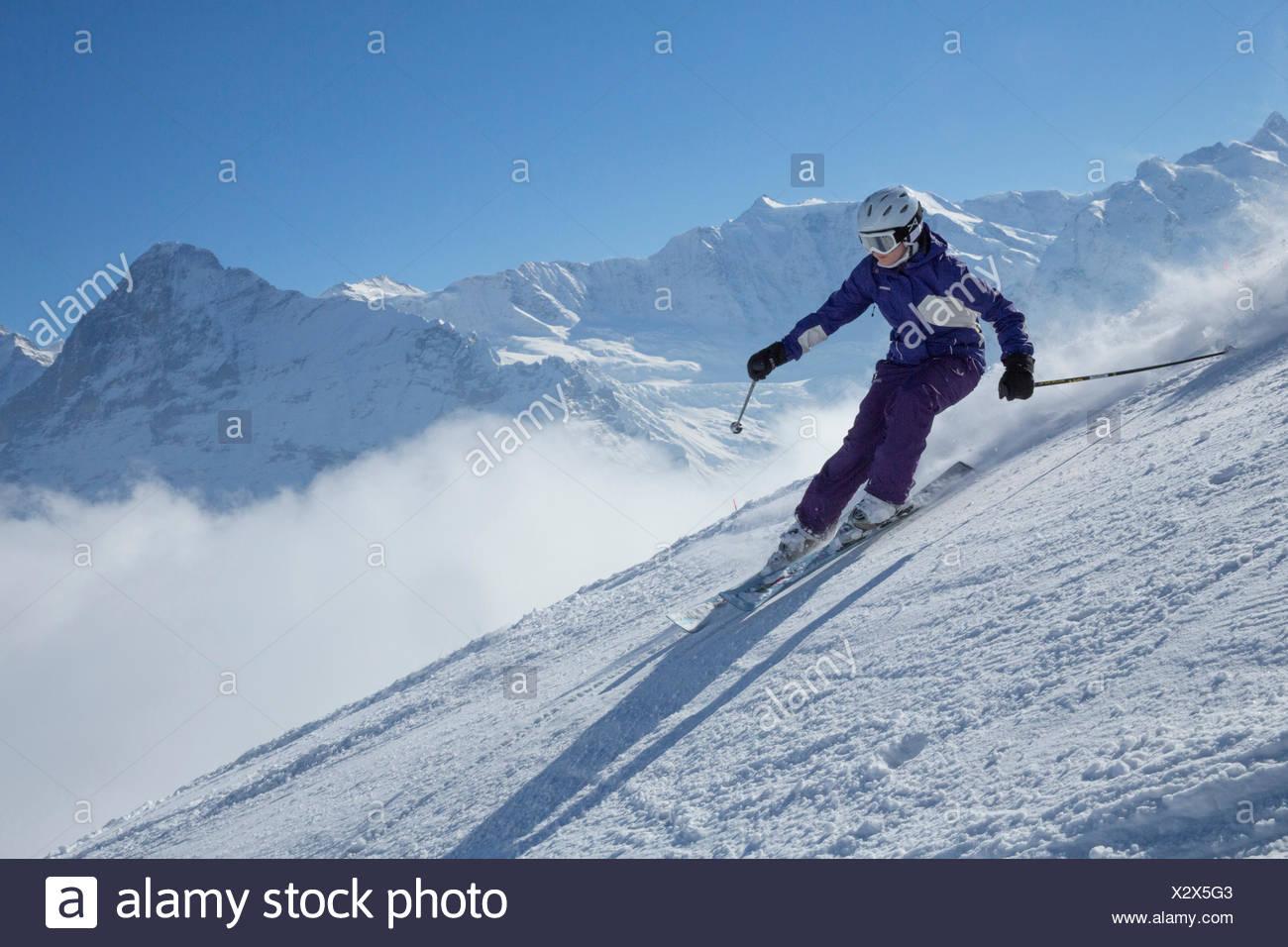 Ski, Skifahren, Grindelwald, Grat, Eiger, Jungfrau, Berg, Berge, Ski, Skifahren, Carving, Winter, Wintersport, Kanton Bern, Stockbild