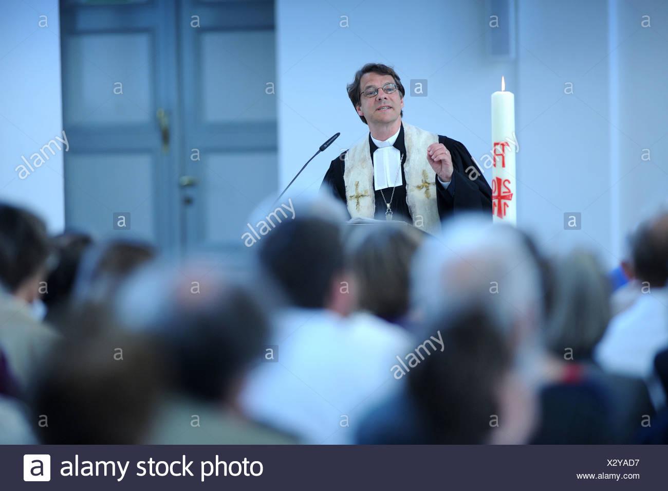 Berlin, Deutschland, Predigt von Bischof Dr. Markus Droege, St ...