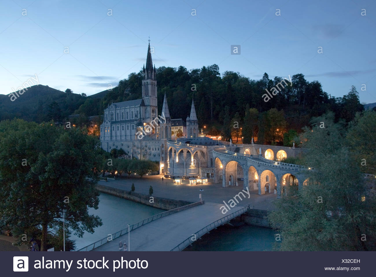 Frankreich, Europa, Lourdes, Pyrenäen, Religion, Ort der Wallfahrt, Madonna, beten, religion Stockbild