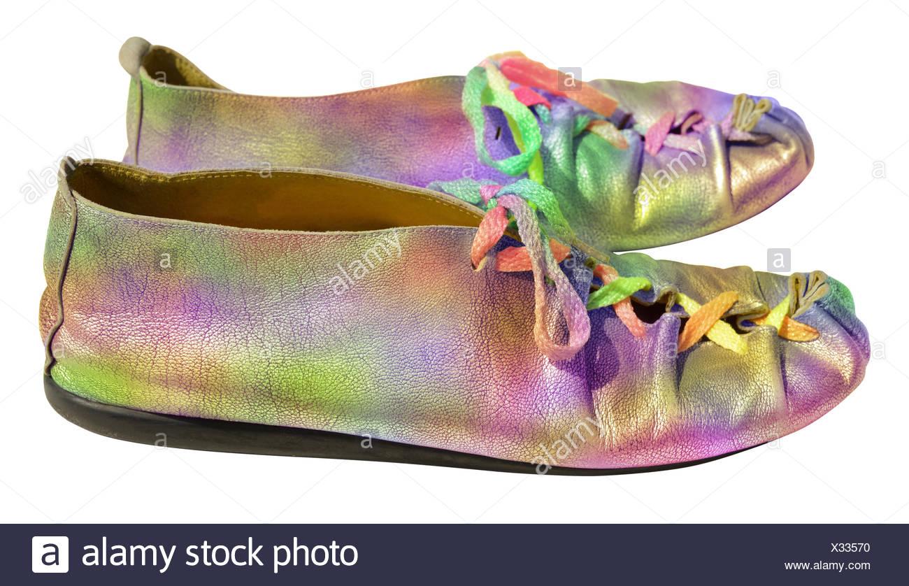 06381a3fdd3742 Damen fun Rainbow Schuhe Stockbild Damen fun Rainbow Schuhe. X33570 (RF).  Bunte Damenschuhe mit bunten Schnürsenkeln Stockbild