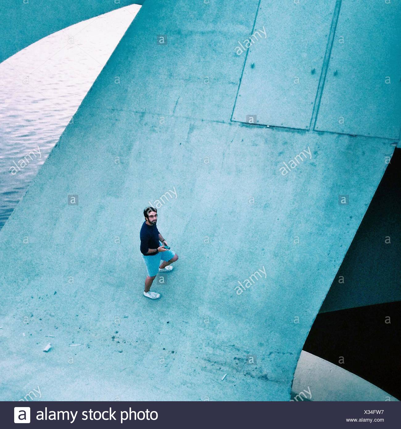 High Angle Porträt eines Mannes Stockbild