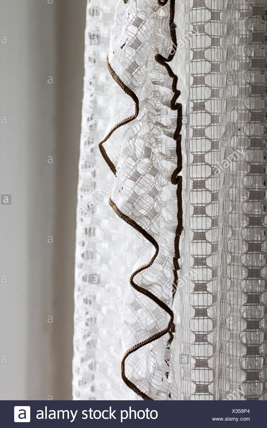 Nostalgische weiße Gardinen Dekoration Stockbild