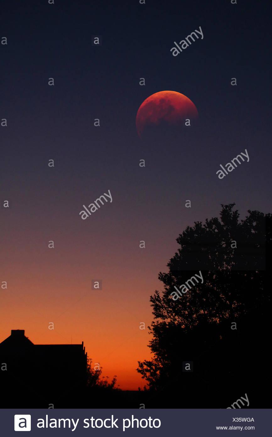 Eine totale Mondfinsternis. Stockbild