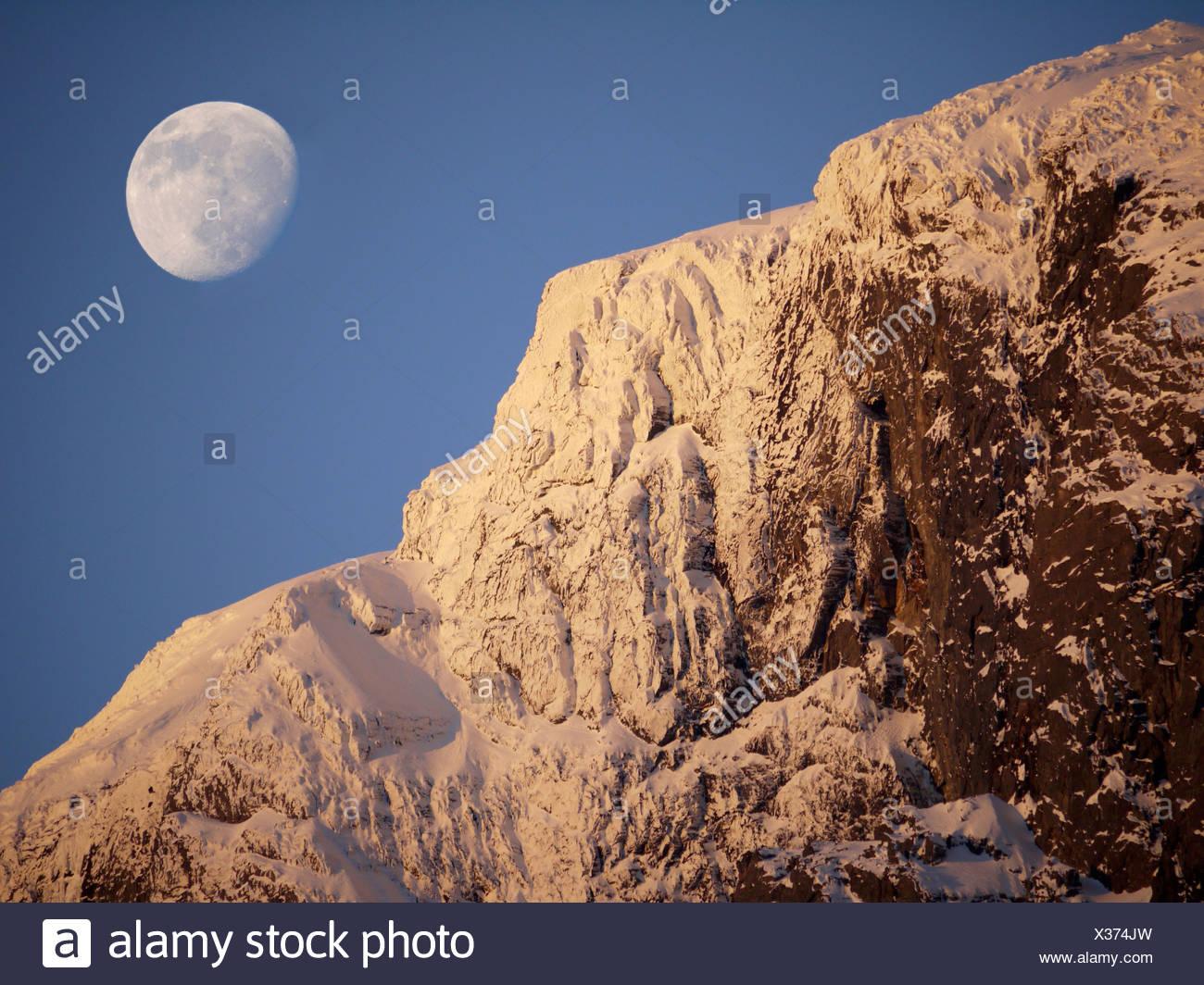 Mondaufgang, Sogn Fjordane, Norwegen Stockbild