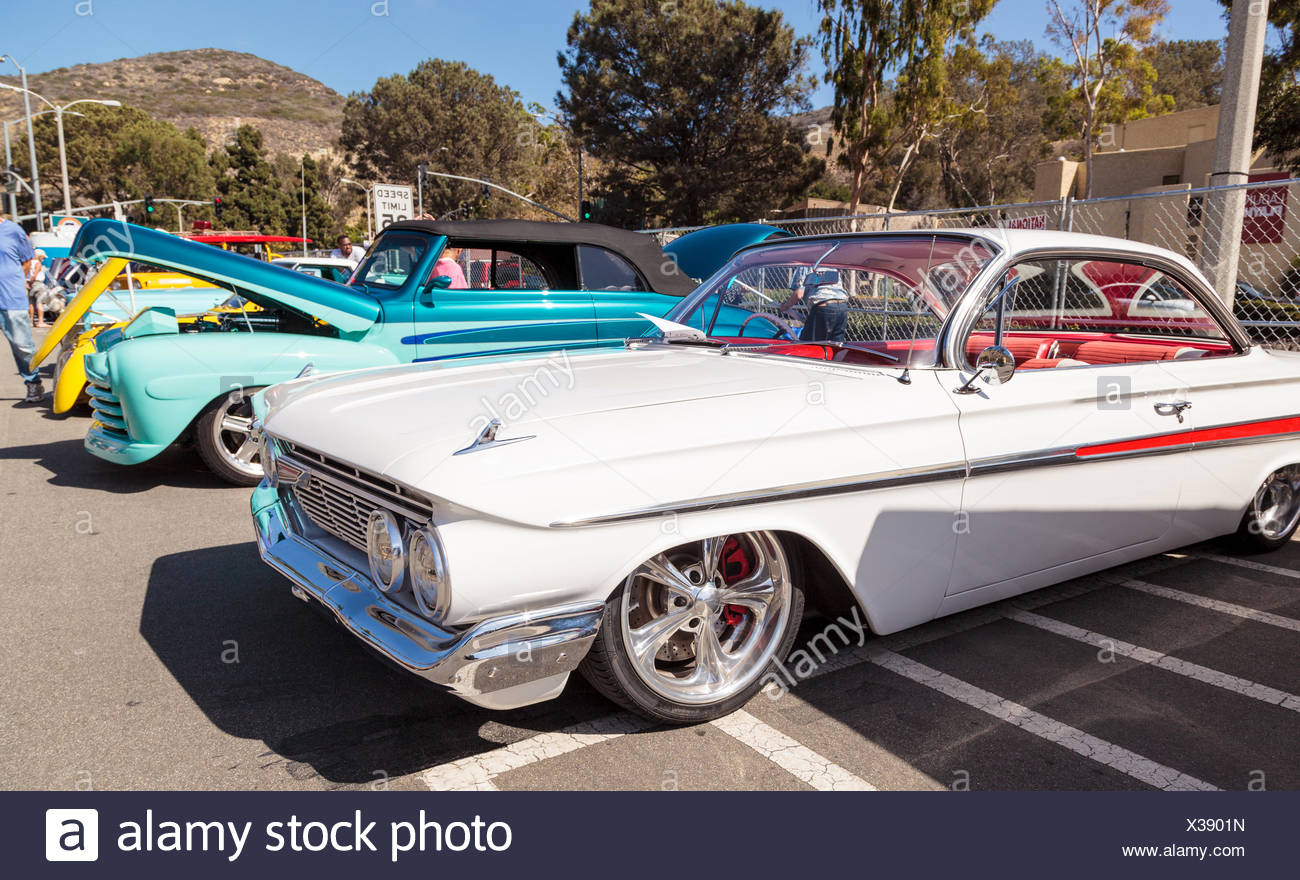 Weiß 1961 Chevrolet Impala Stockfotografie Alamy