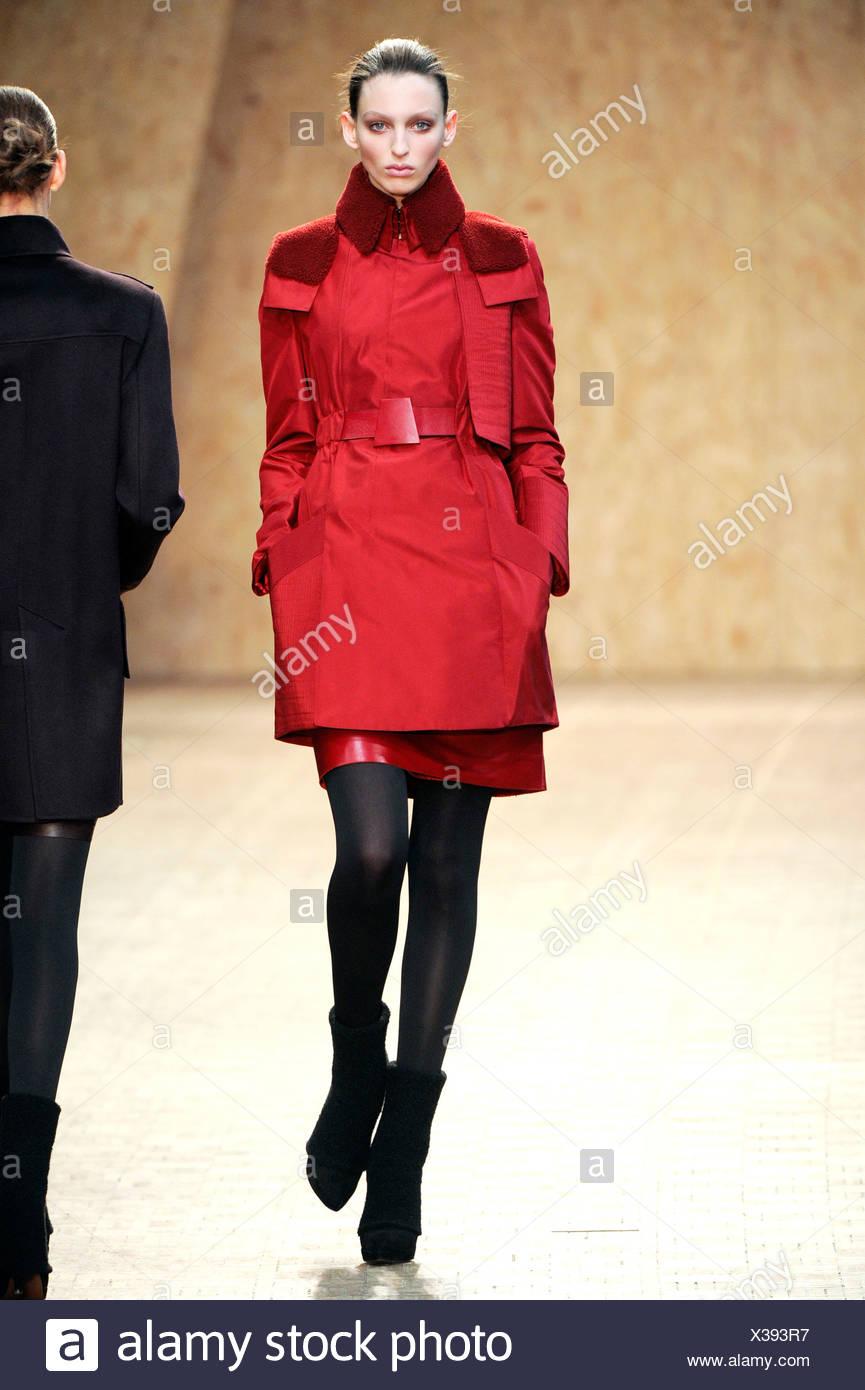 Akris Paris Bereit Tragen Herbst Winter Kurzen Roten Gurtel Mantel