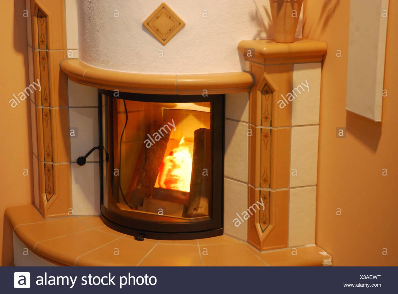 Kamin Ofen Offenes Feuer Flammen Stockfoto Bild 277441076 Alamy