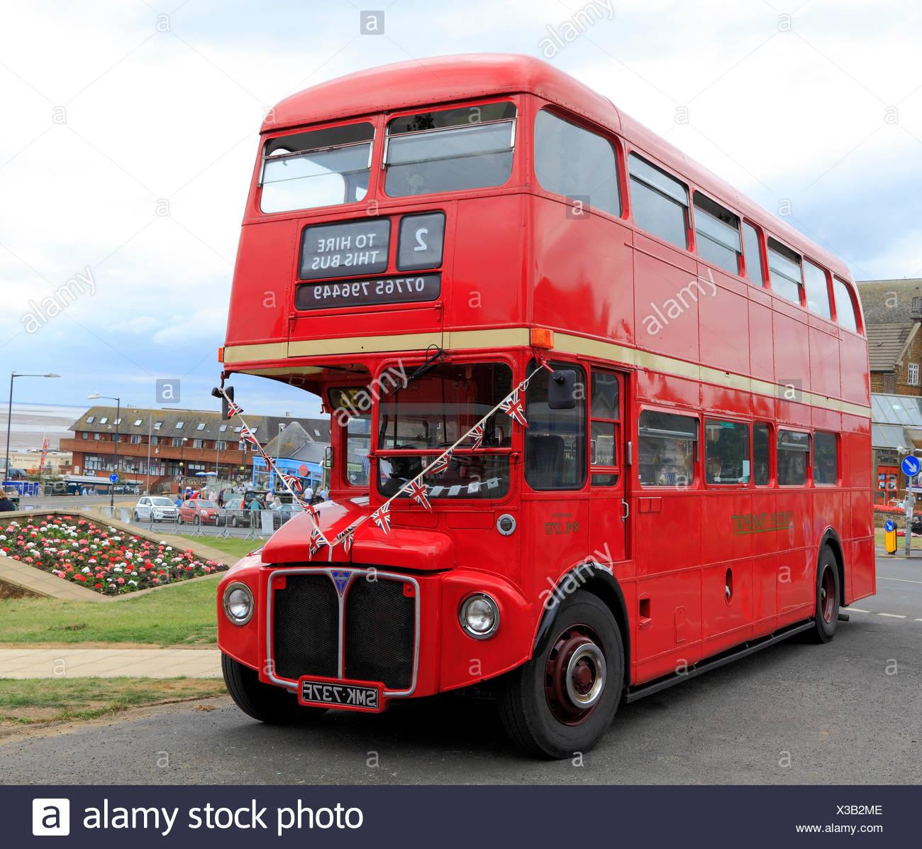 Vintage, rot, London Transport Bus, Hunstanton, Norfolk, England, UK, touristische Attraktion Stockbild