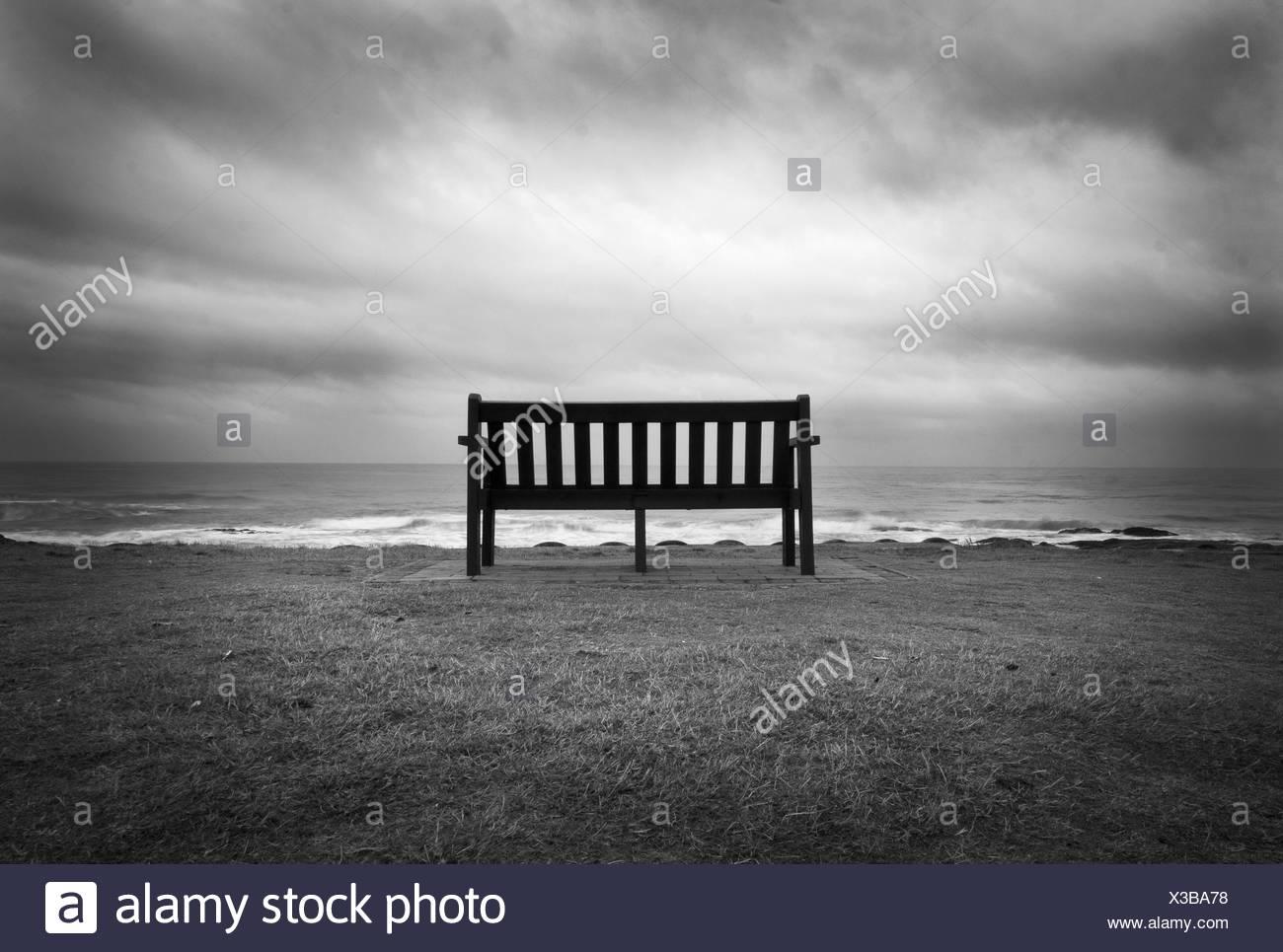 Hier und einsam ist traurig es UlliPulli: Einsam