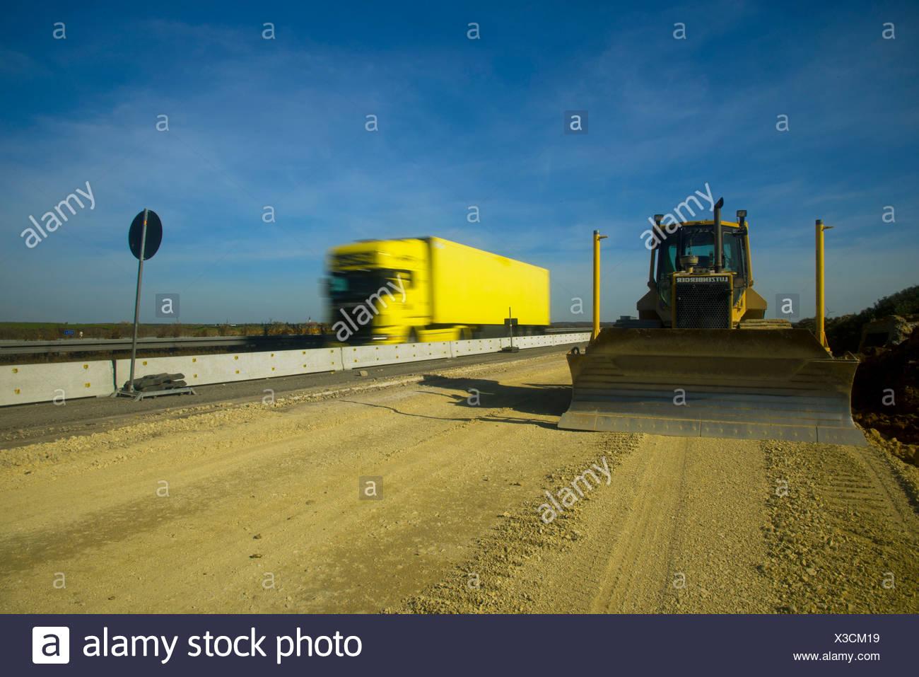 Autobahn Baustellen, Ausbau der Autobahn A8, Autobahn, auf insgesamt 6 Bahnen, Erde bewegenden Maschine, Schwäbische Alb Stockbild