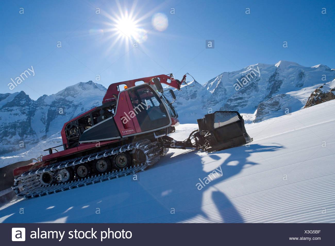 Piste, Fahrzeug, Schnee Goomer, Diavolezza, anzeigen, Bernina, Wintersport, Kanton Graubünden, Graubünden, Engadin, Engadin, GR, Obere Stockbild