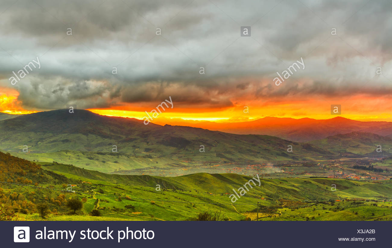 Italien, Nerbrodi, Blick auf Landschaft Stockbild