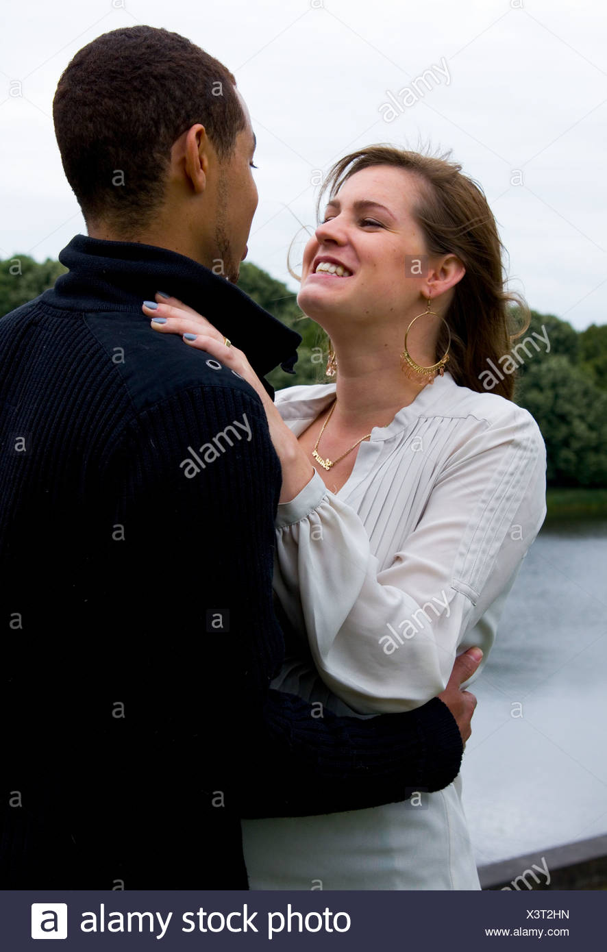 Dating ein schwarzer Kerl gegen einen weißen Kerl North yorkshire dating agency