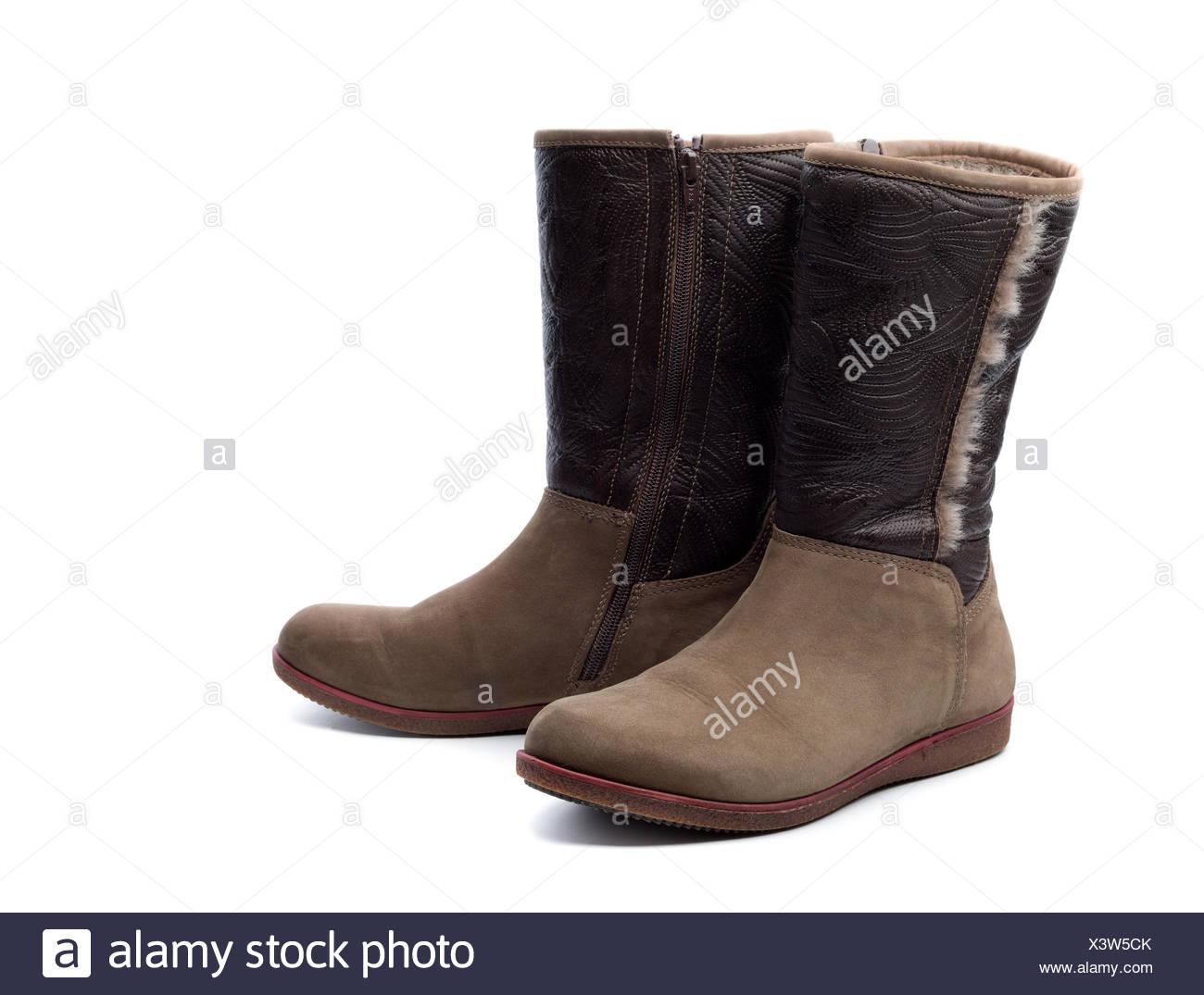 Paar Leder Damen Stiefel mit Fell. Isolieren Sie auf weiß Stockfoto ... f1a6f937be