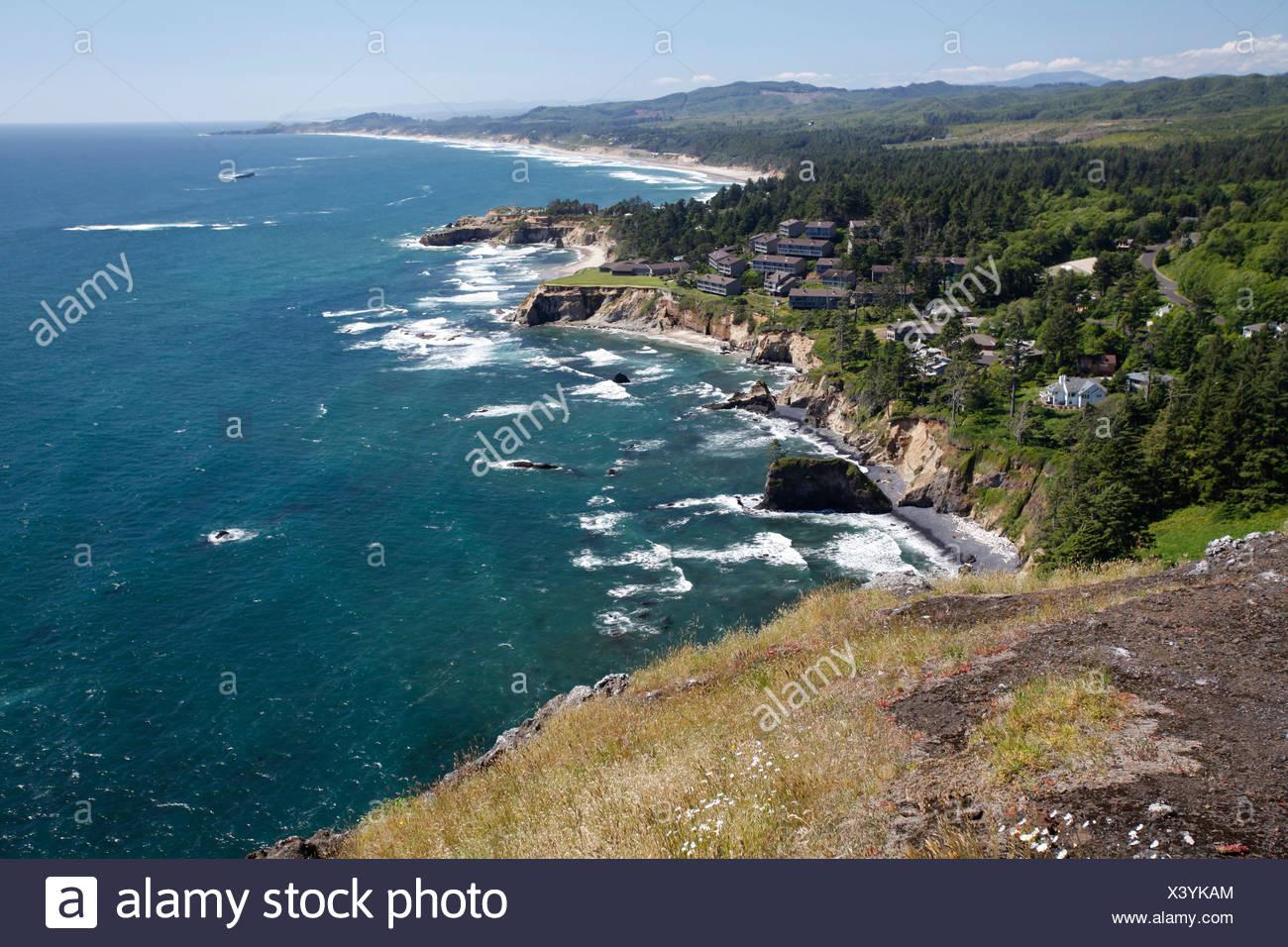 Devils Punchbowl, Cape Foul Wetter, Oregon, USA Stockbild